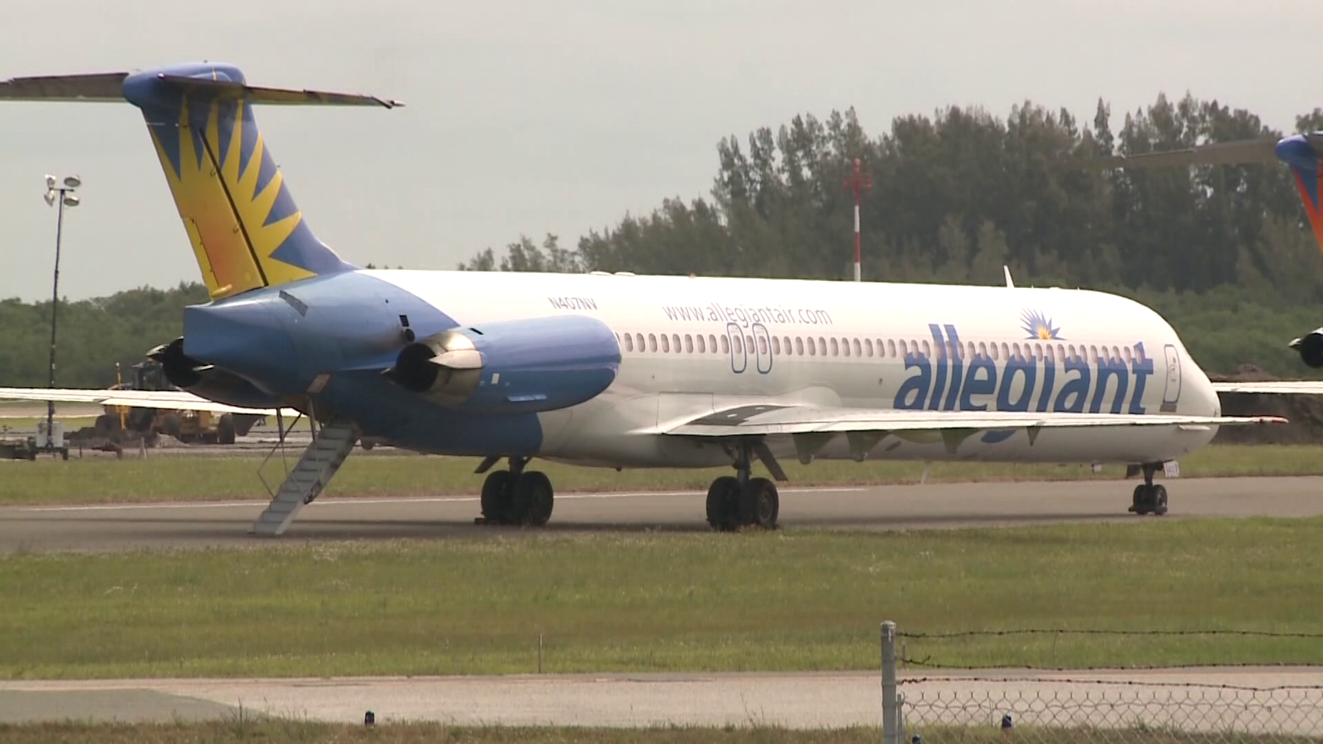 Allegiant Airlines Improving In Flight Issues Wfmynews2 Com