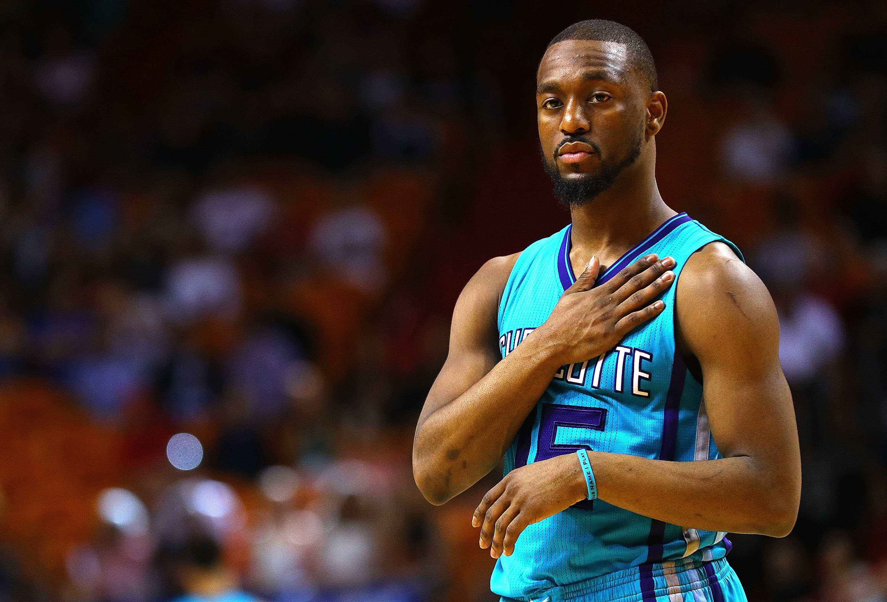 Hornets' Kemba Walker procedure on left knee a success | WCNC.com