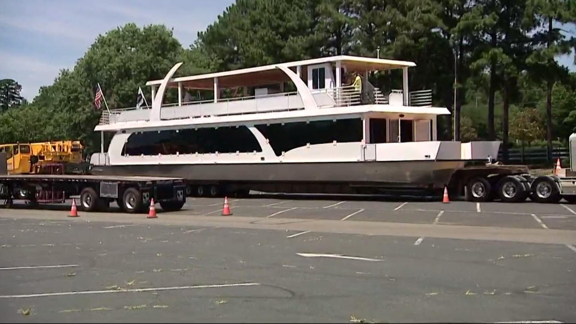 Lake Norman Rental Luxury Yacht Giving Back To Charities